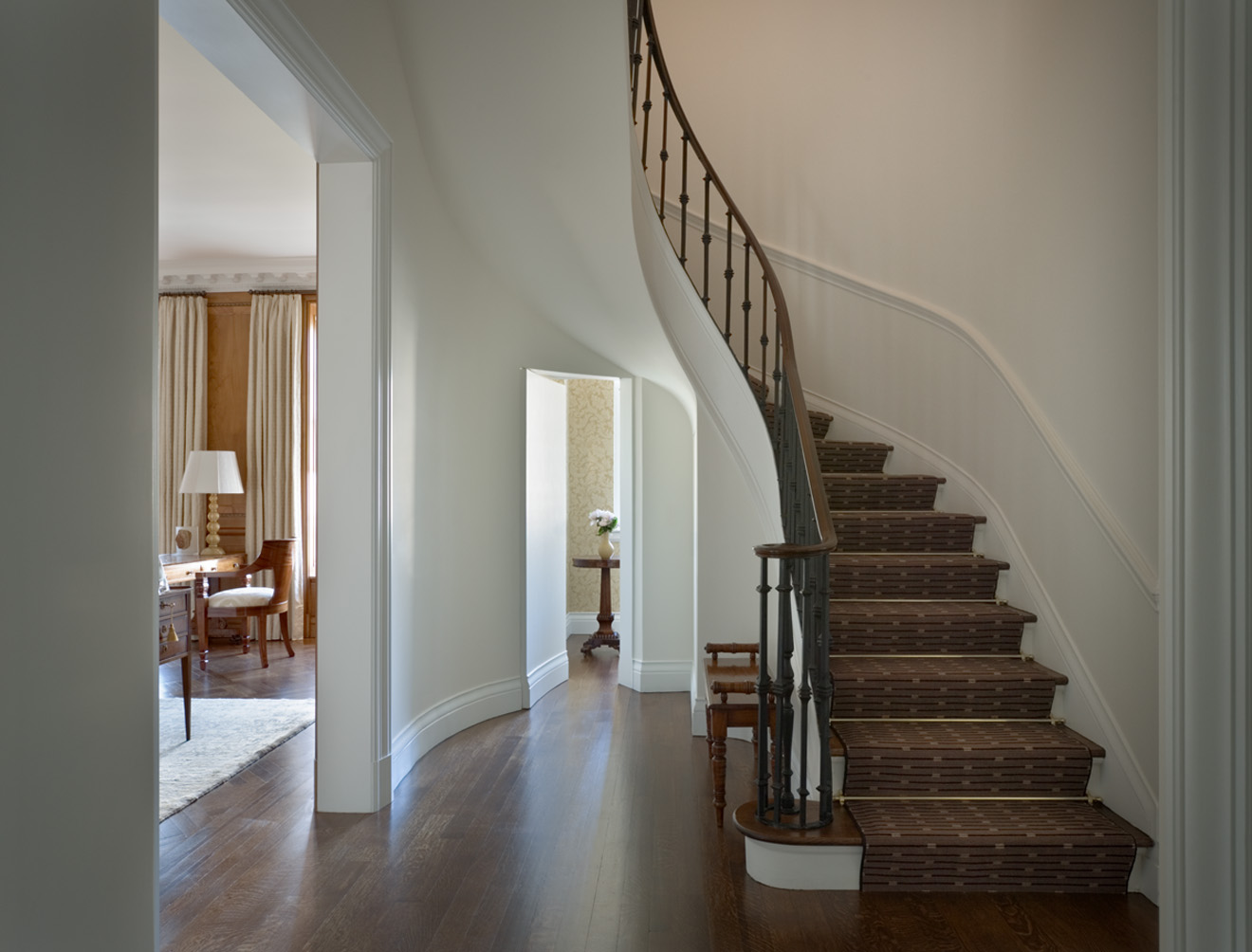 Stair hall. © Gomez Associates